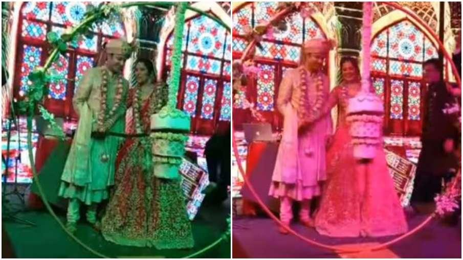 bride and groom cutting cake - India TV Hindi