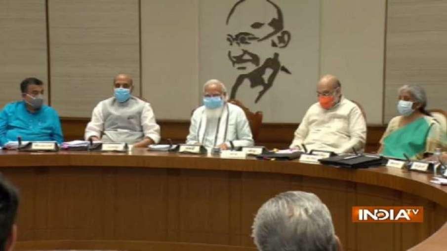 केंद्रीय मंत्रिपरिषद की बैठक में कम्युनिकेशन, टाइम मैनेजमेंट, कार्यक्षमता बढ़ाने पर जोर- India TV Hindi