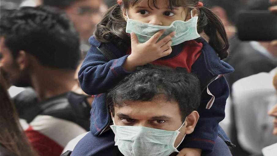 Hospitals in Delhi see surge in seasonal flu cases among children- India TV Hindi