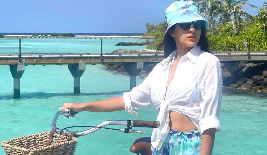sara ali khan vacation in maldives with friend wish birthday see instagram post - India TV Hindi