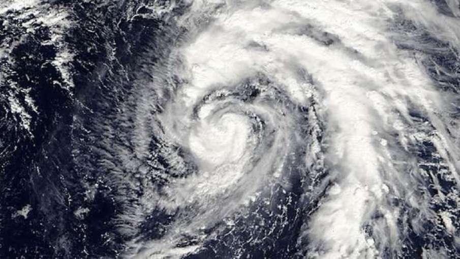टेक्सास में दस्तक देने से पहले मजबूत हुआ तूफान 'निकोलस' - India TV Hindi