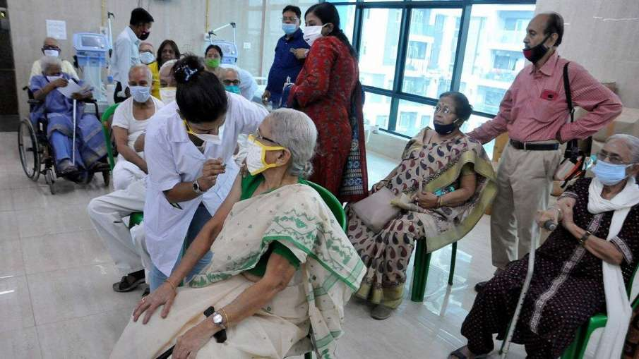 Elderly and disabled will now get vaccinated at home- India TV Hindi