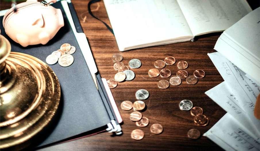 vastu tips for get rid of debt in hindi karz se mukti pane ke upay- India TV Hindi