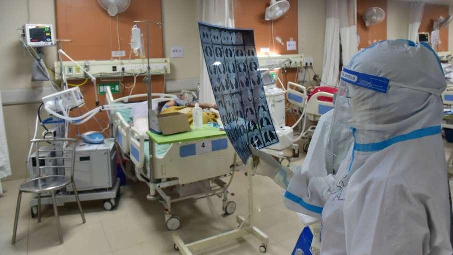 कोरोना का इलाज करने वाले डॉक्टरों के लिए 'गुड न्यूज', महाराष्ट्र सरकार देगी 1.21 लाख रुपये- India TV Hindi
