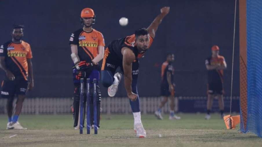 Pace sensation Umran Malik to stay back in UAE as net...- India TV Hindi